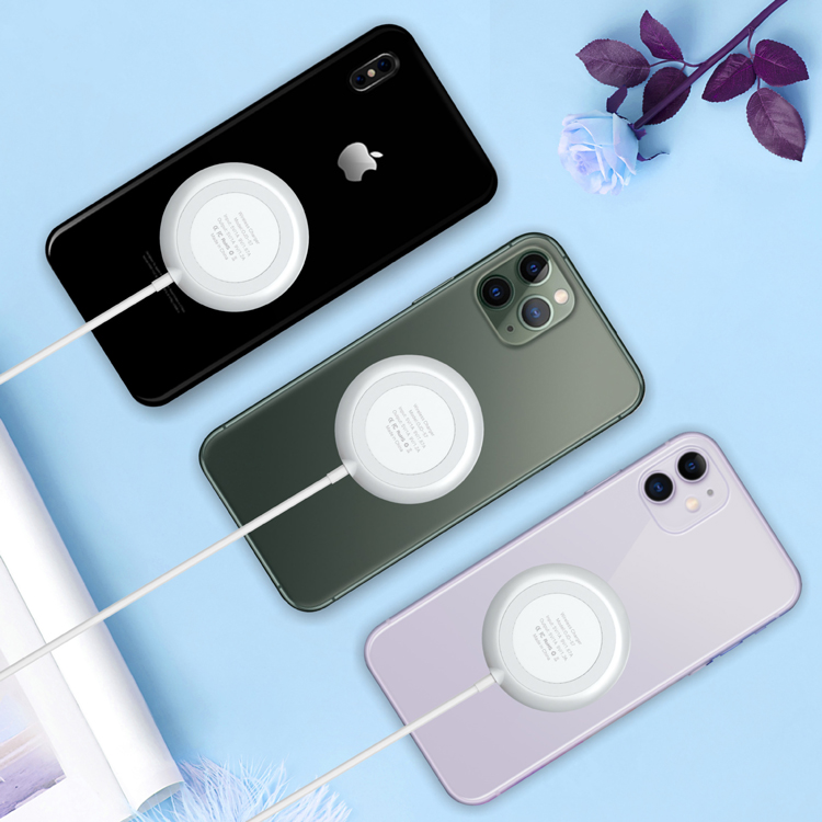 Suction Cup portable mini Wireless Charger for playing game,10W QI Fast charging Sucker Wireless Charger for cell phone