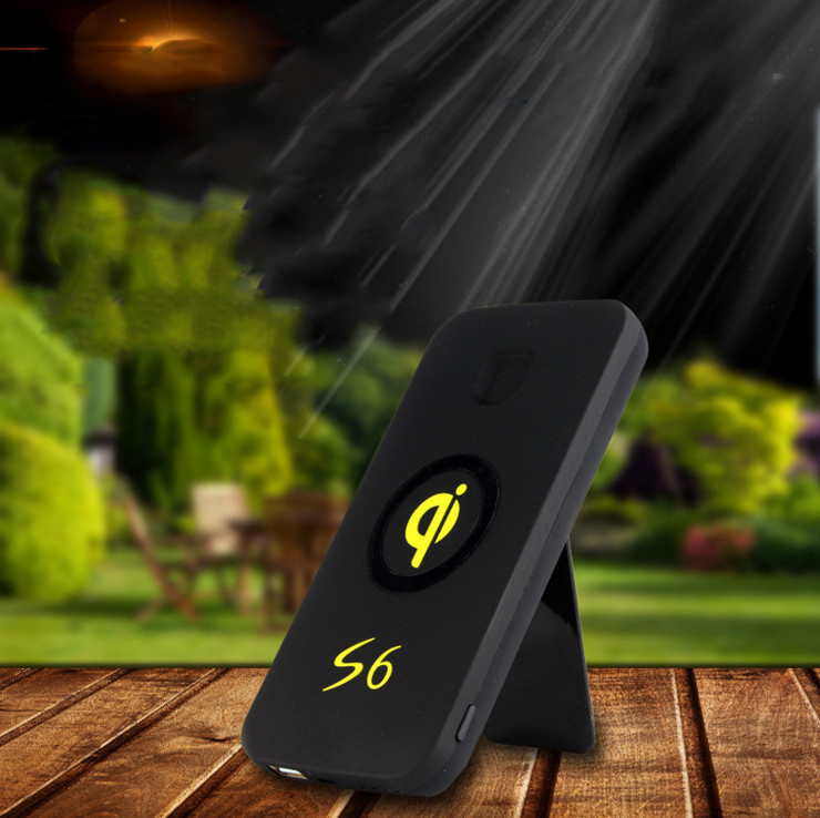 High Quality Portable 10W Fast Charging qi wireless power bank 6000mAh with phone holder